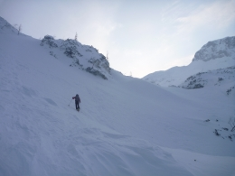 am Ende des Kars, rechts der Griesskogel