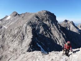 am Bockkarkopf,  links der zuvor überschrittene Steinschartenkopf