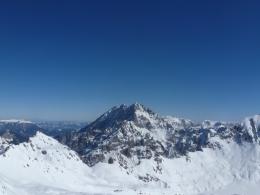 Panorama mit Hochkalterstock links, Watzmannstock in der Mitte und dem Großen Hundstod rechts