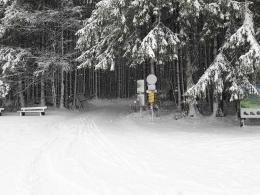 Schnee bis zum Parkplatz