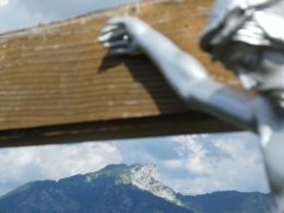 Mittlerer Adlerkopf, im Hintergrund die Hörndlwand